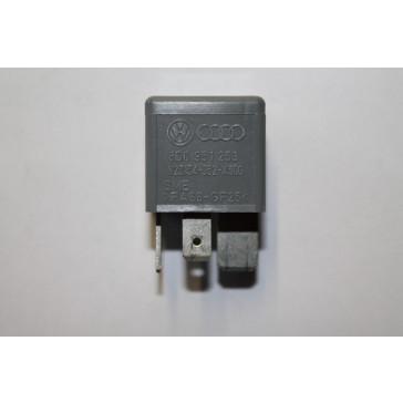 Relais voor elektroventilator