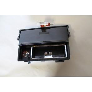 0554624 - 4D0857951B - Asbak met huis Audi A8, S8 Bj 94-99