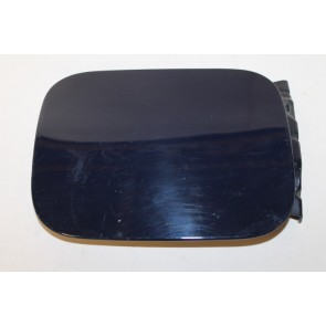 0555526 - 8D5809905 - Tankklep donkerblauw/paars metallic Audi A4, S4 Bj 95-01