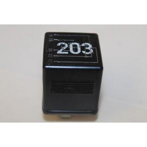 0557486 - 8A0951253A - Contactrelais div. Audi modellen Bj 89-05