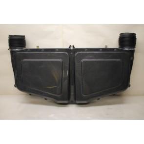 Luchtfilterkast 4.2 V8 benz. Audi RS6 Bj 03-05