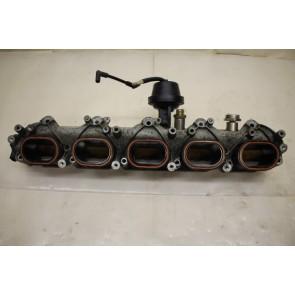 Onderstuk inlaatspruitstuk links 5.0 V10 Audi RS6 Bj 08-11