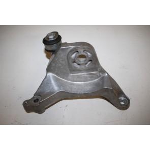 Versnellingsbaksteun links 2.8/3.2 V6 benz. Audi A8 Bj 08-10