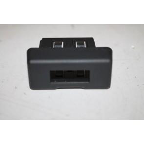 Afdekking aansluiting externe audiobronnen div. Audi modellen Bj 07-heden