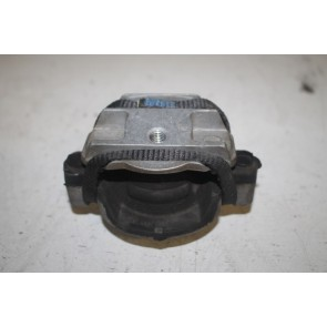 Rubbermetaalsteun links Audi A8, S8 Bj 03-10