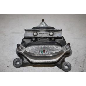 Rubbermetaalsteun 2.0 TFSI benz. Audi A4, A5, Q5 Bj 08-17