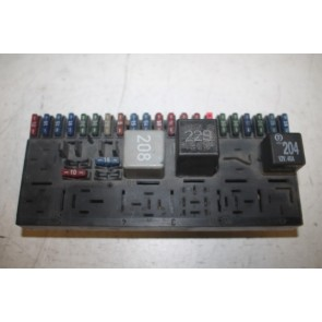 Centrale elektr. kast div. Audi modellen Bj 80-00