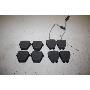 1 set remblokken voor schijfremmen voorzijde Audi S4, A6, S6, Allroad Bj 98-05
