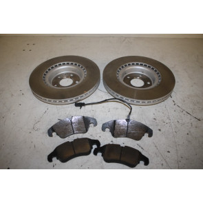 Set remschijven + remblokken voorzijde Audi A4, S4, A5, S5, A6, A7, Q5 Bj 08-18